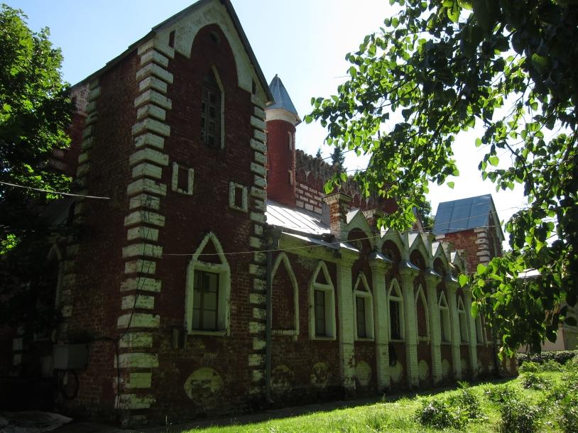 дом церковнослужителей фасад1